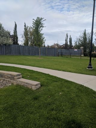 Photo 3: 7503 Getty Gate in Edmonton: Townhouse for rent