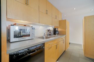 """Photo 12: 410 1655 NELSON Street in Vancouver: West End VW Condo for sale in """"Hampstead Manor"""" (Vancouver West)  : MLS®# R2513219"""