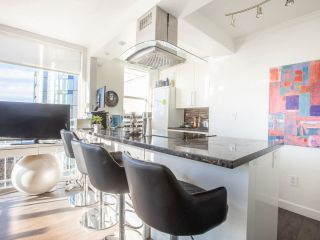 Photo 3: 807 1250 BURNABY Street in Vancouver: West End VW Condo for sale (Vancouver West)  : MLS®# R2536162