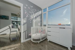 """Photo 12: 1707 110 SWITCHMEN Street in Vancouver: Mount Pleasant VE Condo for sale in """"LIDO"""" (Vancouver East)  : MLS®# R2378768"""