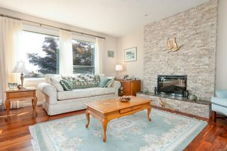 Photo 9: 2460 Costa Vista Pl in : CS Tanner House for sale (Central Saanich)  : MLS®# 855596