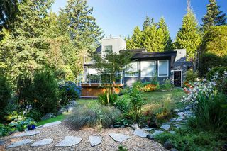 Photo 1: 6184 EASTMONT Drive in West Vancouver: Gleneagles House for sale : MLS®# R2110154