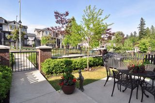 Photo 3: 2 20822 70 Avenue in Langley: Willoughby Heights Townhouse for sale : MLS®# F1412675
