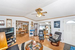 Photo 6: 61 7583 Central Saanich Rd in : CS Hawthorne Manufactured Home for sale (Central Saanich)  : MLS®# 879084