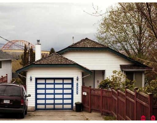 Main Photo: 14727 Wellington Drive in Surrey: House for sale : MLS®# F2808734