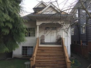 Photo 1: 1410 E 12TH Avenue in Vancouver: Grandview Woodland House for sale (Vancouver East)  : MLS®# R2437111