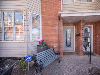 Photo 2: 9727 102 Street NW in Edmonton: Zone 12 Attached Home for sale : MLS®# E4241955