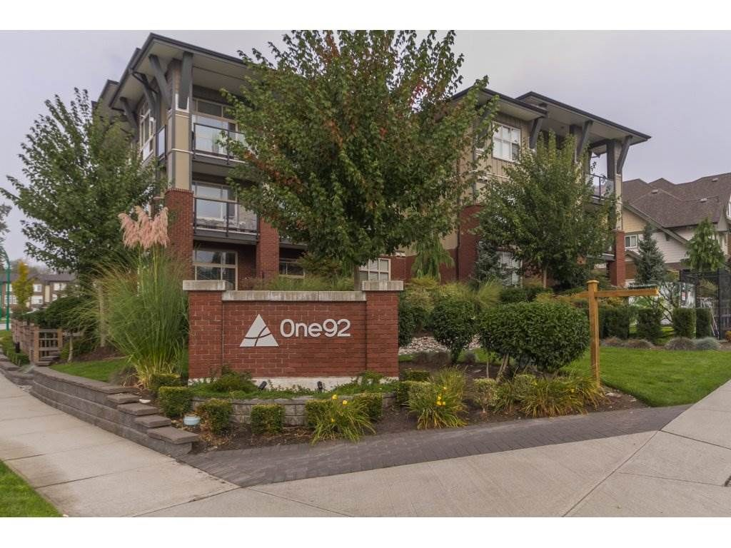 """Photo 2: Photos: 212 19201 66A Avenue in Surrey: Clayton Condo for sale in """"One92"""" (Cloverdale)  : MLS®# R2112521"""