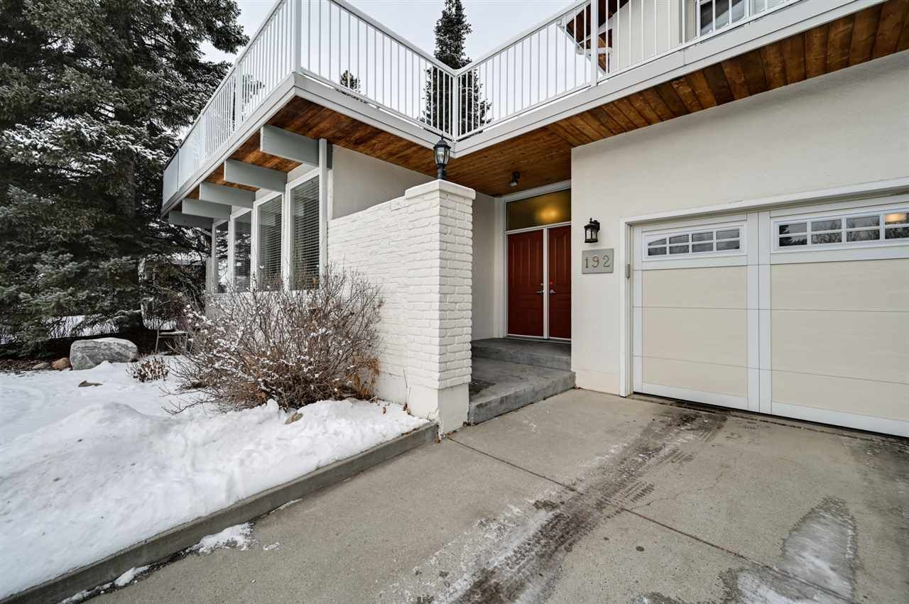 Main Photo: 192 QUESNELL Crescent in Edmonton: Zone 22 House for sale : MLS®# E4230395