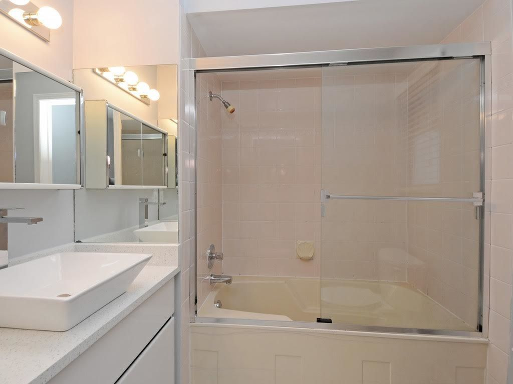 Photo 13: Photos: 5521 NORFOLK Street in Burnaby: Central BN House for sale (Burnaby North)  : MLS®# R2139065