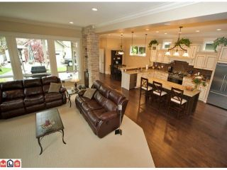 """Photo 6: 2350A HARBOURGREENE Drive in Surrey: Crescent Bch Ocean Pk. House for sale in """"OCEAN PARK"""" (South Surrey White Rock)  : MLS®# F1112801"""