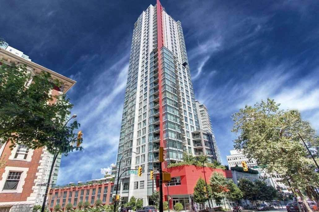 """Main Photo: 2501 1211 MELVILLE Street in Vancouver: Coal Harbour Condo for sale in """"The Ritz"""" (Vancouver West)  : MLS®# R2614080"""