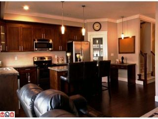 """Photo 3: 20 8358 121A Street in Surrey: Queen Mary Park Surrey Townhouse for sale in """"KENNEDY TRAIL"""" : MLS®# F1206595"""