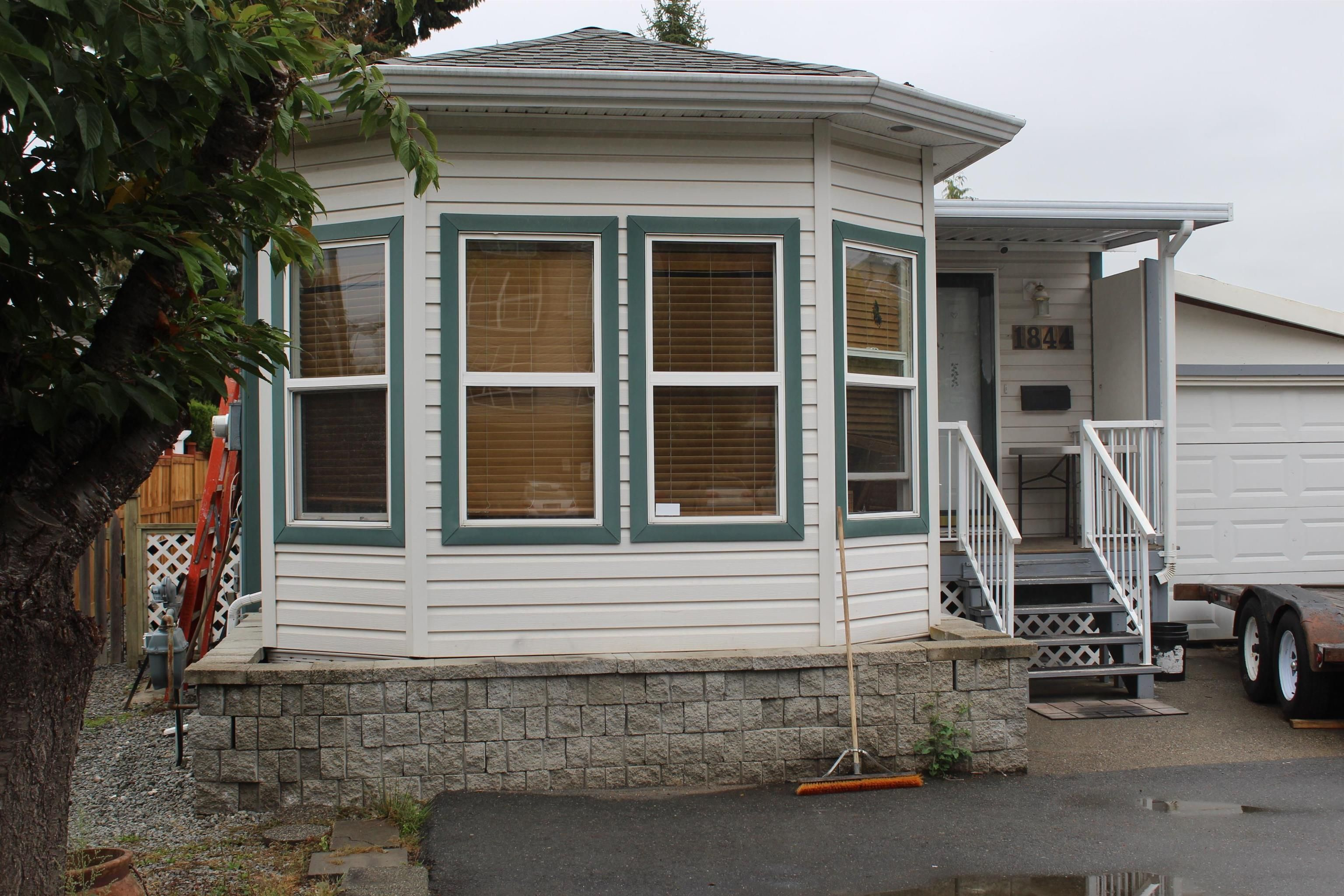 Main Photo: 1844 SALTON Road in Abbotsford: Central Abbotsford Manufactured Home for sale : MLS®# R2611525