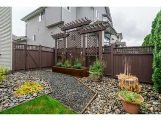 """Photo 19: 19624 69A Avenue in Langley: Willoughby Heights House for sale in """"Camden Park"""" : MLS®# R2117058"""