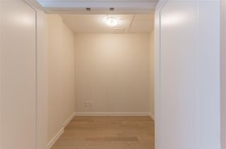 """Photo 8: 318 38 W 1ST Avenue in Vancouver: False Creek Condo for sale in """"THE ONE"""" (Vancouver West)  : MLS®# R2576246"""
