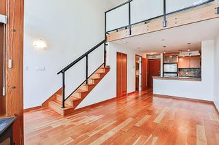 """Photo 2: 324 10 RENAISSANCE Square in New Westminster: Quay Condo for sale in """"MURANO LOFTS"""" : MLS®# R2186275"""