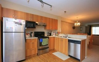 """Photo 2: 69 15155 62A Avenue in Surrey: Sullivan Station Townhouse for sale in """"THE OAKLANDS"""" : MLS®# R2109415"""