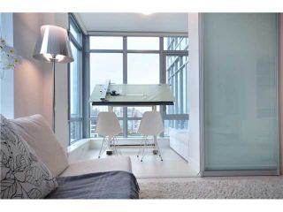 Photo 3: 2307 1028 BARCLAY Street in Vancouver: West End VW Condo for sale (Vancouver West)  : MLS®# V981090