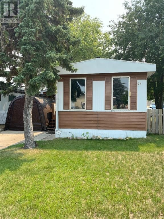 Main Photo: 35 Eastbrook Drive E in Brooks: House for sale : MLS®# A1145805