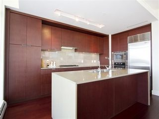 Photo 6: 1901 158 13TH Street W in North Vancouver: Home for sale : MLS®# V1000565
