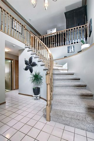 Photo 26: 824 Shawnee Drive SW in Calgary: Shawnee Slopes Detached for sale : MLS®# A1083825