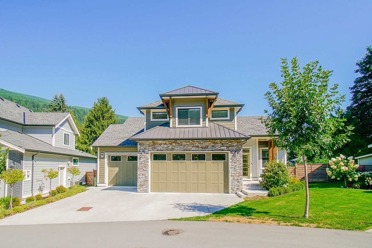 Main Photo: 18 1885 COLUMBIA VALLEY Road in Chilliwack: Lindell Beach House for sale (Cultus Lake)  : MLS®# R2610295