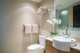 """Photo 13: 1504 1455 HOWE Street in Vancouver: Yaletown Condo for sale in """"POMARIA"""" (Vancouver West)  : MLS®# R2387626"""
