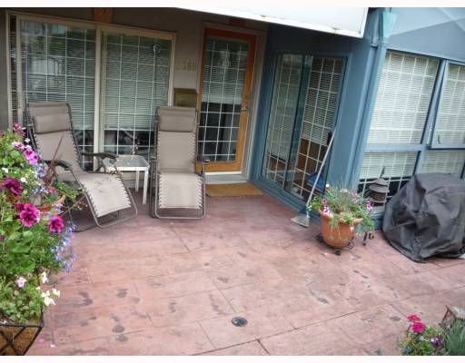 """Main Photo: 2388 ALDER Street in Vancouver: Fairview VW Condo for sale in """"ALDER COURT"""" (Vancouver West)  : MLS®# V776880"""