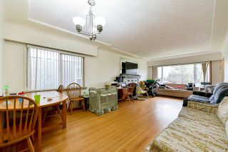 Photo 2: 2652 E 5TH Avenue in Vancouver: Renfrew VE House for sale (Vancouver East)  : MLS®# R2152561