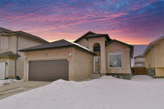 Photo 1: 83 Langley Bay in Winnipeg: Richmond West Residential for sale (1S)  : MLS®# 202005640