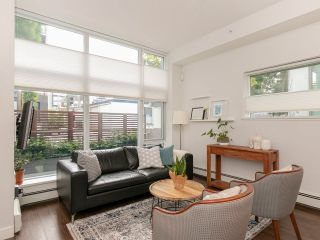 """Photo 8: 1839 CROWE Street in Vancouver: False Creek Townhouse for sale in """"FOUNDRY"""" (Vancouver West)  : MLS®# R2277227"""