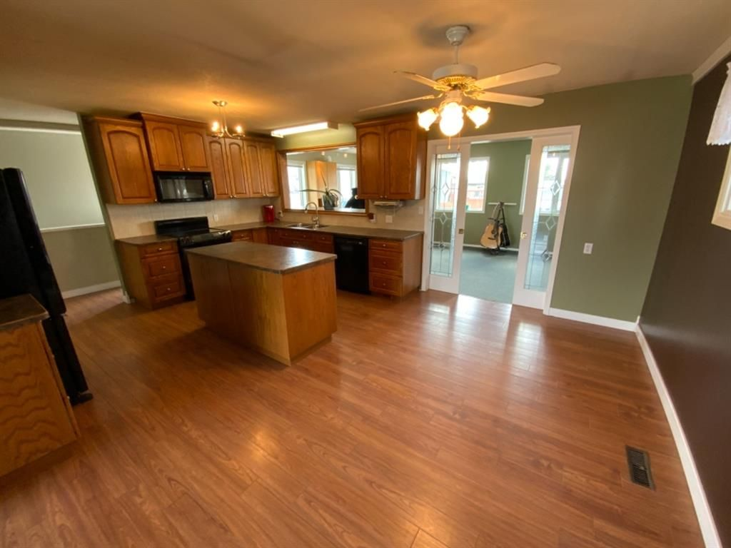 Photo 8: Photos: 571 3 Avenue SE: Three Hills Detached for sale : MLS®# A1105212