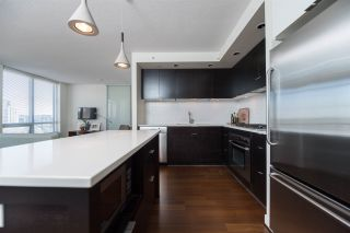 """Photo 6: 1703 1055 HOMER Street in Vancouver: Yaletown Condo for sale in """"DOMUS"""" (Vancouver West)  : MLS®# R2186785"""