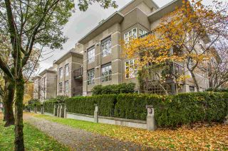 """Photo 1: 306 2161 W 12TH Avenue in Vancouver: Kitsilano Condo for sale in """"The Carlings"""" (Vancouver West)  : MLS®# R2319744"""