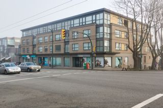 """Photo 1: 412 997 W 22ND Avenue in Vancouver: Shaughnessy Condo for sale in """"THE CRESCENT IN SHAUGHNESSY"""" (Vancouver West)  : MLS®# R2005322"""