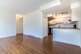"""Photo 4: 209 5649 KINGS Road in Vancouver: University VW Townhouse for sale in """"GALLERIA"""" (Vancouver West)  : MLS®# R2400501"""