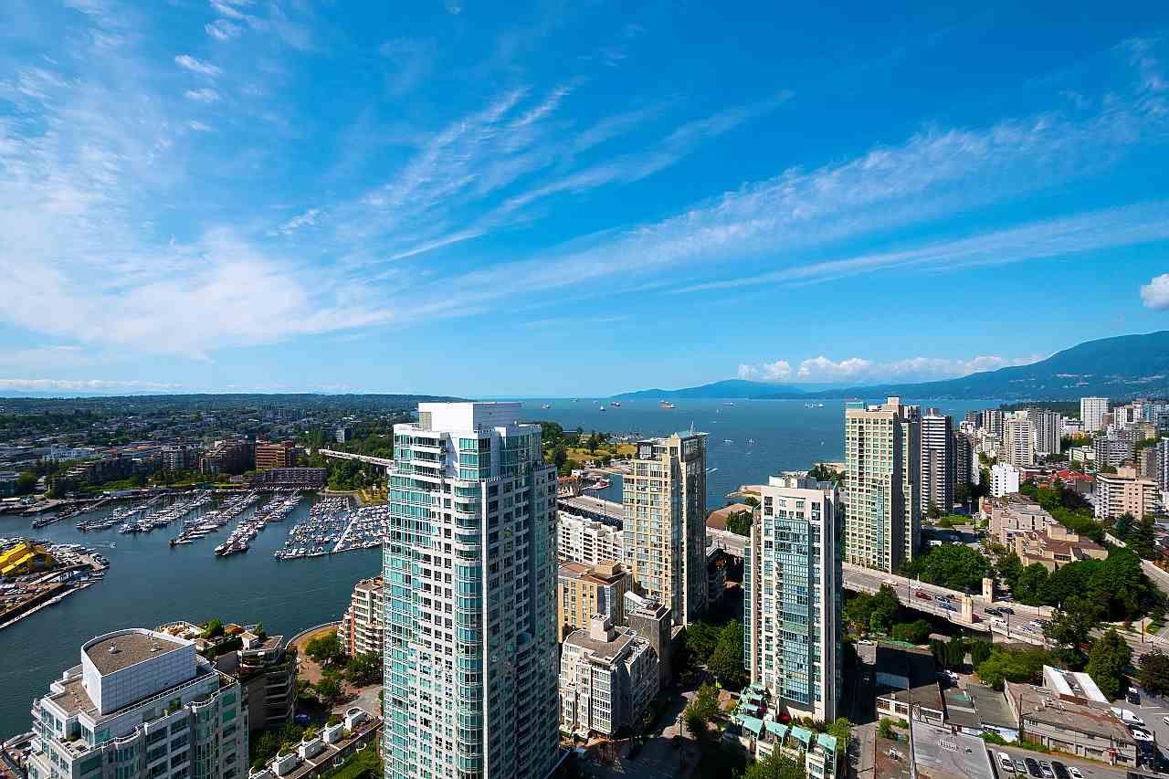 """Photo 16: Photos: 3703 1480 HOWE Street in Vancouver: Yaletown Condo for sale in """"Vancouver House"""" (Vancouver West)  : MLS®# R2527999"""