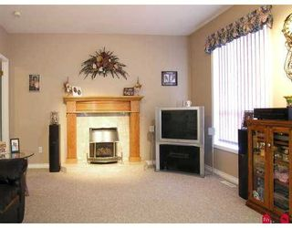 """Photo 4: 8456 214TH Street in Langley: Walnut Grove House  in """"Forest Hills"""" : MLS®# F2712904"""