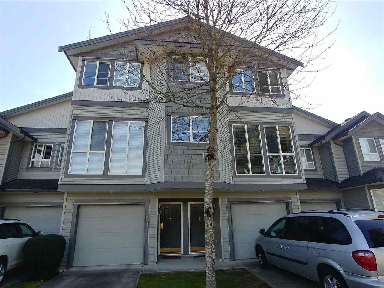 Main Photo: 38 7250 144 STREET in Surrey: East Newton Townhouse for sale : MLS®# R2339008