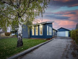 Main Photo: 383 Westwood Drive SW in Calgary: Westgate Detached for sale : MLS®# A1152595