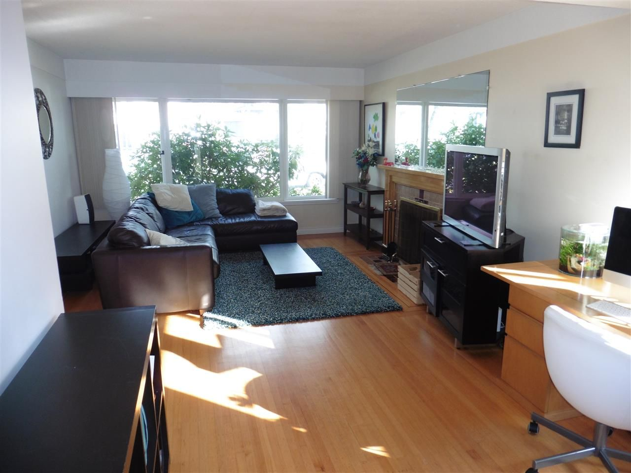 Photo 2: Photos: 1626 E 56TH Avenue in Vancouver: Fraserview VE House for sale (Vancouver East)  : MLS®# R2443664