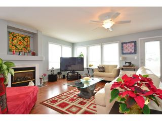 "Photo 2: 952 STEVENS Street: White Rock House for sale in ""White Rock Hillside"" (South Surrey White Rock)  : MLS®# F1440900"
