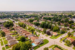 Photo 35: 269 S Central Park Boulevard in Oshawa: Donevan Freehold for sale