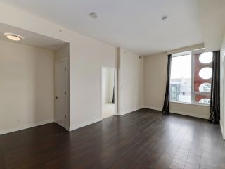 """Photo 5: 1806 111 E 1ST Avenue in Vancouver: Mount Pleasant VE Condo for sale in """"BLOCK 100"""" (Vancouver East)  : MLS®# R2614472"""