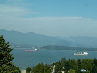 """Photo 1: 4613 BELLEVUE Drive in Vancouver: Point Grey House for sale in """"POINT GREY"""" (Vancouver West)  : MLS®# V1082352"""