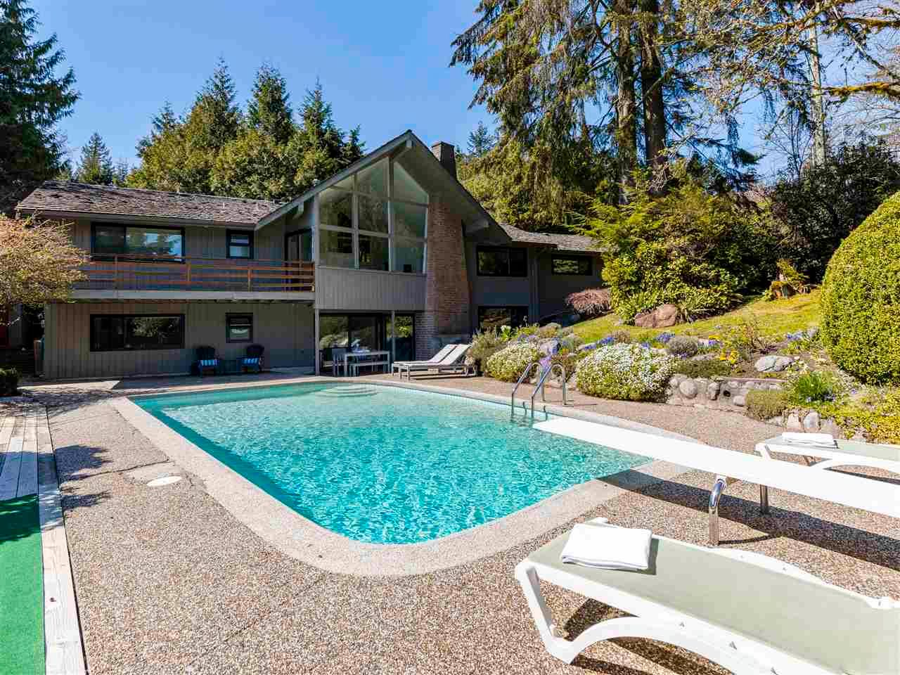Main Photo: 86 STEVENS Drive in West Vancouver: British Properties House for sale : MLS®# R2568373