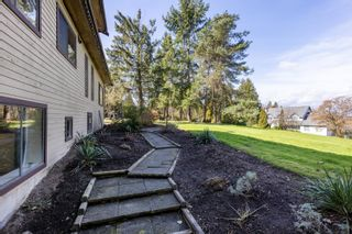 """Photo 31: 17418 HILLVIEW Place in Surrey: Grandview Surrey House for sale in """"Country Woods"""" (South Surrey White Rock)  : MLS®# R2619162"""