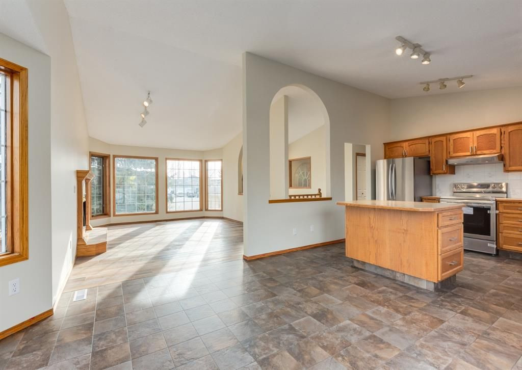 Main Photo: 185 Westchester Way: Chestermere Detached for sale : MLS®# A1081377