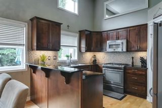 Photo 5: 126 Inglewood Grove SE in Calgary: Inglewood Row/Townhouse for sale : MLS®# A1119028